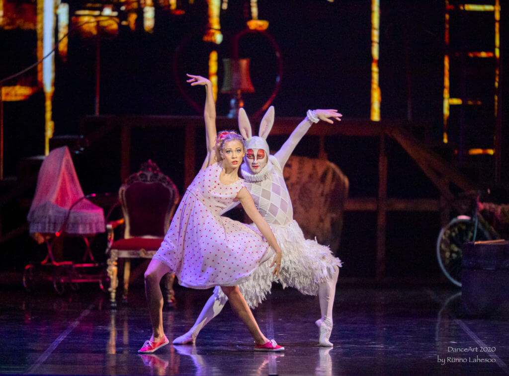 Liisä Ihmemaassa baletti